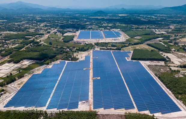 First solar power plant in Binh Dinh joins national grid hinh anh 1