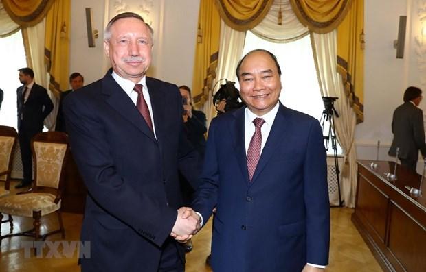 PM Nguyen Xuan Phuc's activities in Saint Petersburg hinh anh 1