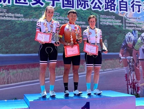 Vietnamese cyclist wins Tour of Zhoushan Island I hinh anh 1