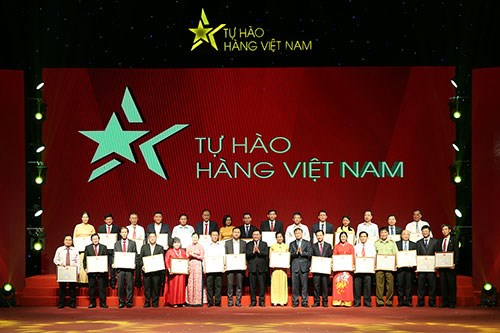 Deputy PM wants to increase value of Vietnamese brands hinh anh 1