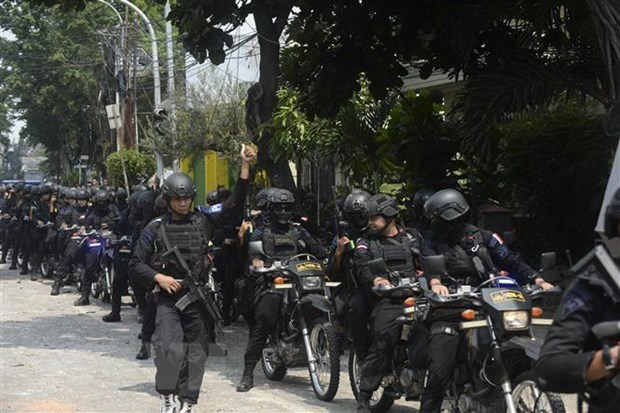 Indonesia increases security personnel in Jakarta after protests hinh anh 1