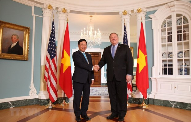 Vietnam treasures relations with US: Deputy PM hinh anh 1