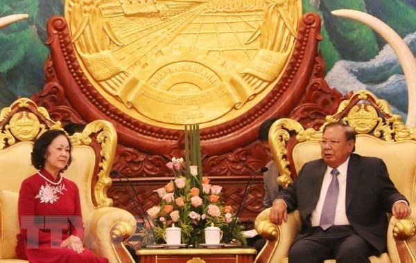 Laos vows to preserve relationship with Vietnam hinh anh 1