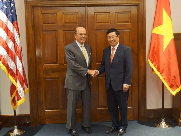 Vietnam, US to augment ties in economy-trade investment, defence hinh anh 1