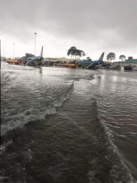 Tan Son Nhat airport at risk of flooding during rainy season hinh anh 1