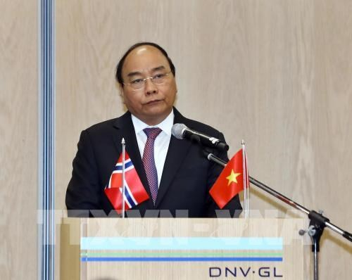 PM calls on Vietnam, Norway to expand economic cooperation hinh anh 1