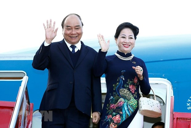 Prime Minister begins official visit to Norway hinh anh 1