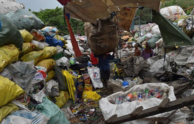 Philippines tough in garbage dispute with Canada hinh anh 1