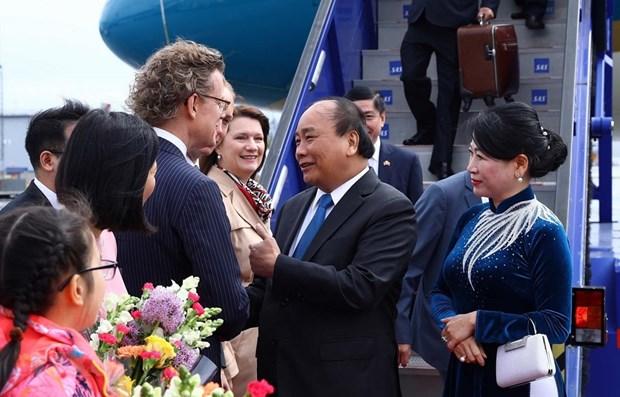 Prime Minister starts official visit to Sweden hinh anh 1