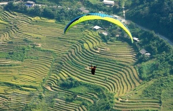Yen Bai: paragliding festival becomes signature tourism product hinh anh 1