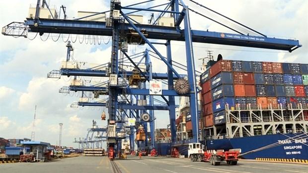 Logistics enterprises, schools work to close skills gap hinh anh 1