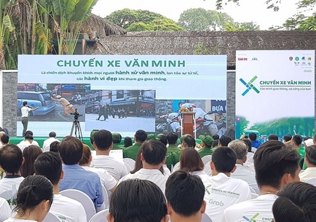 Campaign kicks off to restore traffic safety, order hinh anh 1