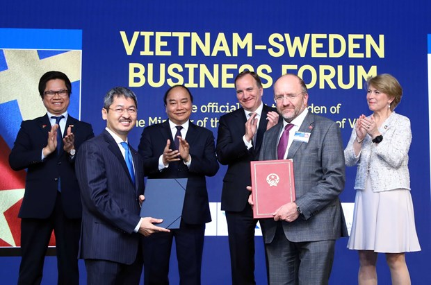 Vietnam hopes for investment from Swedish firms: PM hinh anh 1