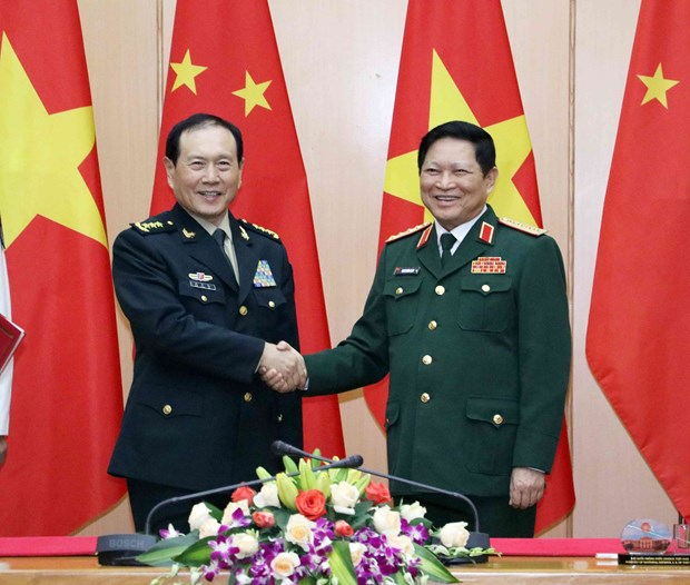 Vietnamese, Chinese defence ministers hold talks in Hanoi hinh anh 1