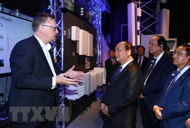 Vietnam keen to learn from Swedish technologies: PM hinh anh 2
