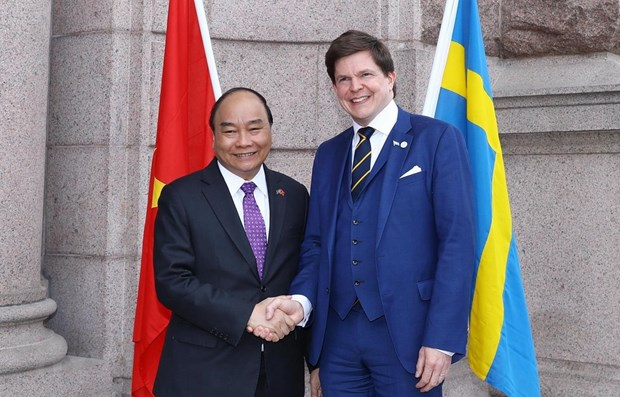 PM Nguyen Xuan Phuc meets Swedish parliament speaker hinh anh 1