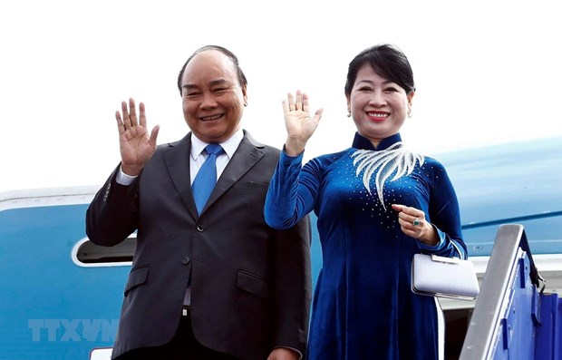 PM leaves Stockholm, wrapping up official visit to Sweden hinh anh 1