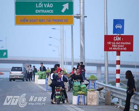 Hanoi to strengthen traffic safety control on highways hinh anh 1