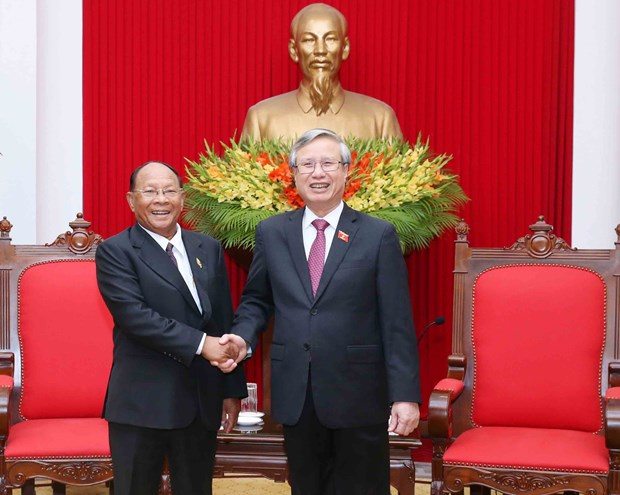 Vietnam prioritises developing friendship, cooperation with Cambodia hinh anh 1
