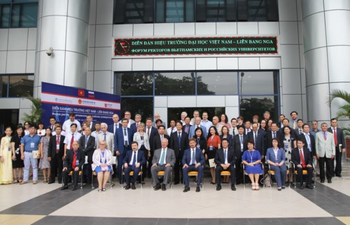 First Vietnam – Russia rectors' forum underway in Hanoi hinh anh 1