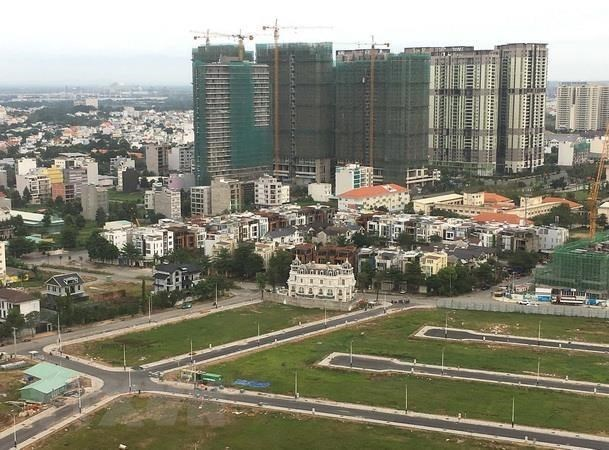 Real estate sector advised to reduce dependence on bank credit hinh anh 1