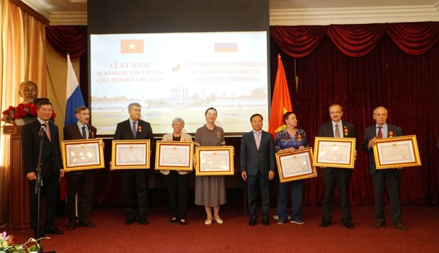 Russians honoured for help with Uncle Ho's remains maintenance hinh anh 1