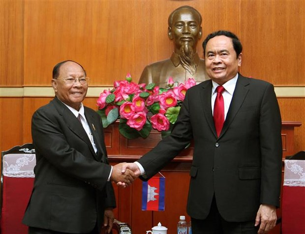 Vietnam – Cambodia friendship, neighbourliness cemented: official hinh anh 1