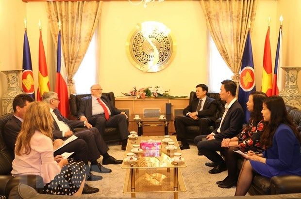 Vietnam, Czech Republic bolster economic cooperation hinh anh 1