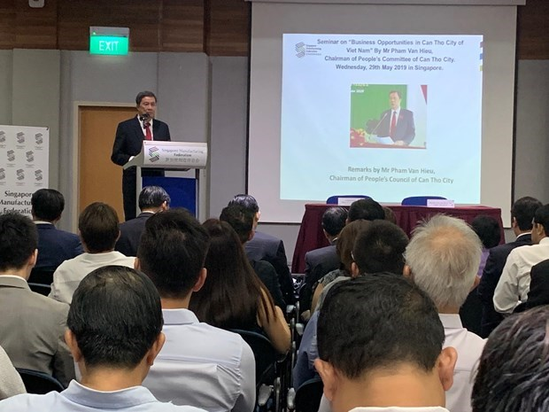 Can Tho calls for Singaporean investment into priority fields hinh anh 1
