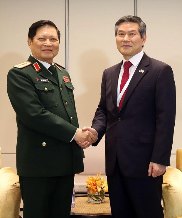 Defence Minister active in Shangri-La Dialogue hinh anh 1