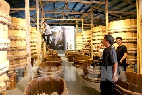 Vietnam's first fish sauce museum opens hinh anh 1