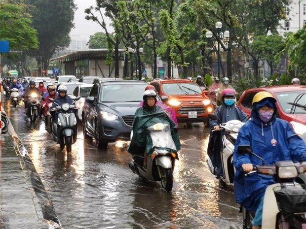 Heavy rain, flash floods forecast to continue over weekend hinh anh 1
