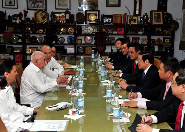 Vietnamese Party delegation pay working visit to Cuba hinh anh 1