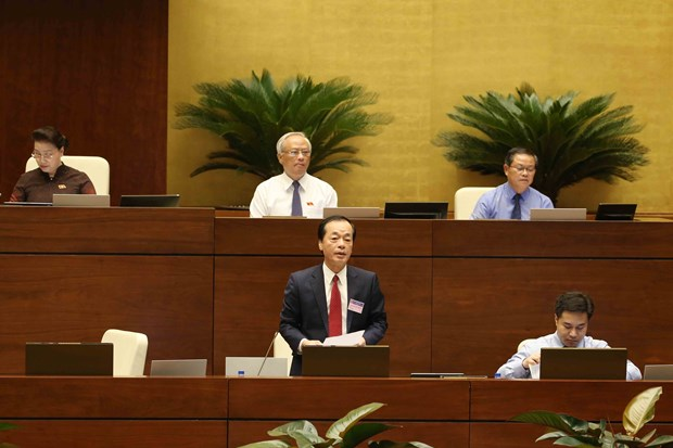 Lawmakers question construction minister on inflated real estate prices hinh anh 1