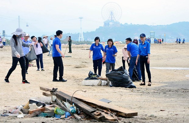 Campaign aims to engage public in sea clean-up hinh anh 1