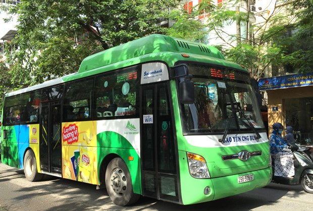 More eco-friendly buses to run on Hanoi streets hinh anh 1