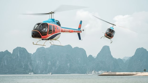 Helicopter – new way to cruise Ha Long Bay: CNN hinh anh 1