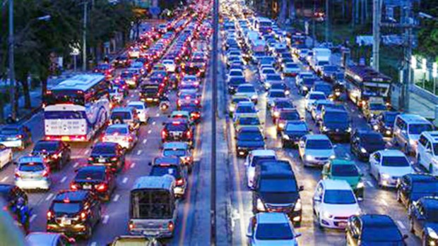 Thailand promotes traffic connection with Laos hinh anh 1