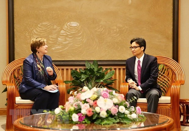 Deputy PM receives new UNICEF Representative in Vietnam hinh anh 1