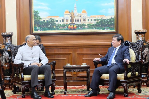 Indian Ambassador bids farewell to HCM City leader hinh anh 1