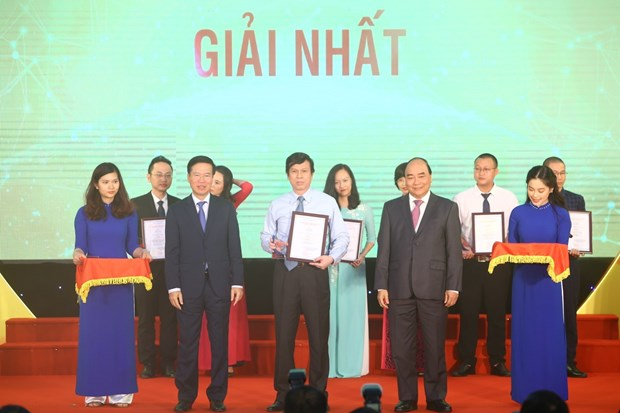 Presentation Ceremony of National External Information Service Awards 2018 hinh anh 1