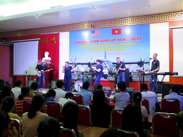 Art exchange programme promotes Vietnam-US friendship hinh anh 1