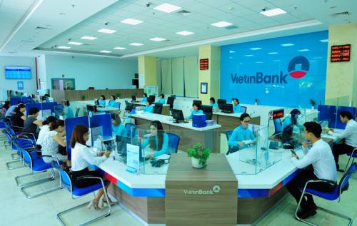Banks face big capital burden despite dividend plan hinh anh 1