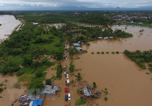 Indonesia: thousands evacuated due to floods hinh anh 1
