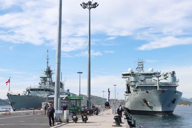 Royal Canadian Navy's ships visit Vietnam hinh anh 1