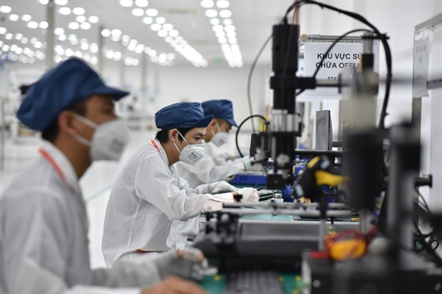 Vingroup builds another smartphone factory hinh anh 1