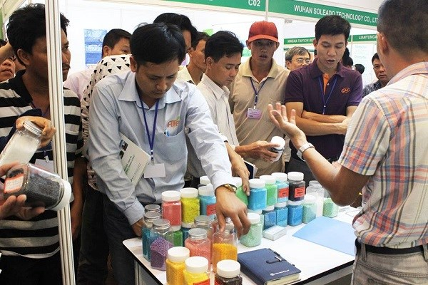 Int'l expo displays fertilizers, plant protection products hinh anh 1