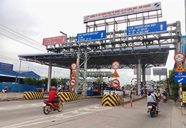 MoT plans to increase fees at BOT toll booths hinh anh 1