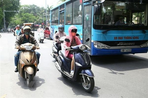 Northern, central regions brace for hot spell hinh anh 1