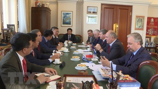 Party official's Russia visit boosts bilateral ties hinh anh 1